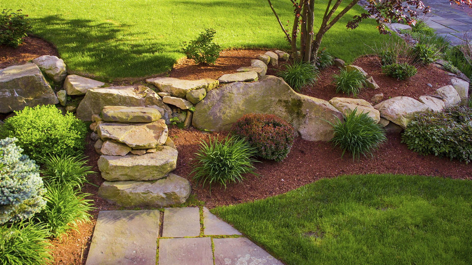 Lawn care commercial landscaping and commercial property for Landscape garden maintenance